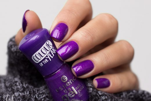 essence-the-gel-nail-polish-colour-of-the-year-2018-ultra-violet-swatch-2