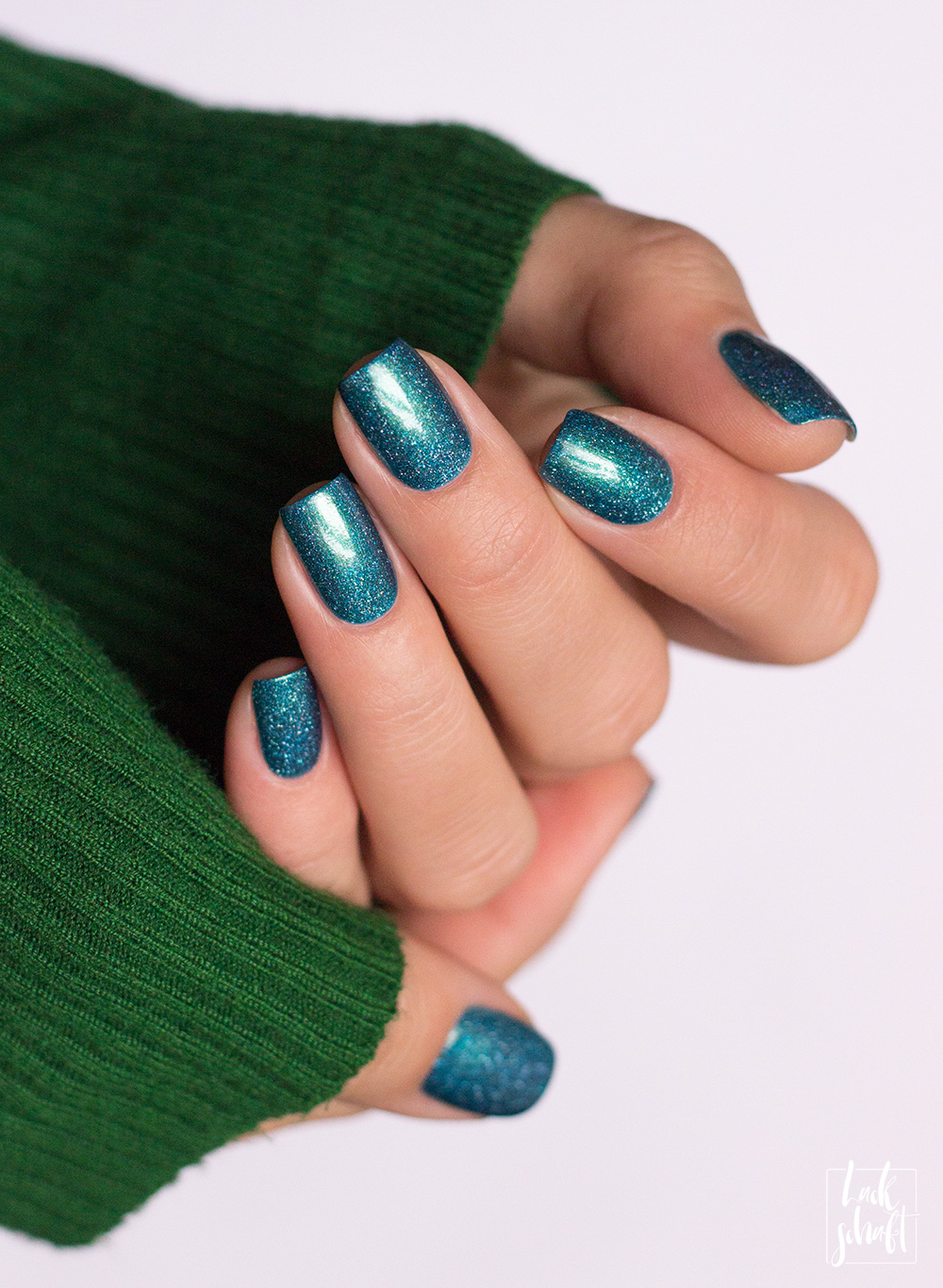 picture-polish-free-swatch-nailpolish-indie-polish-holographic-2