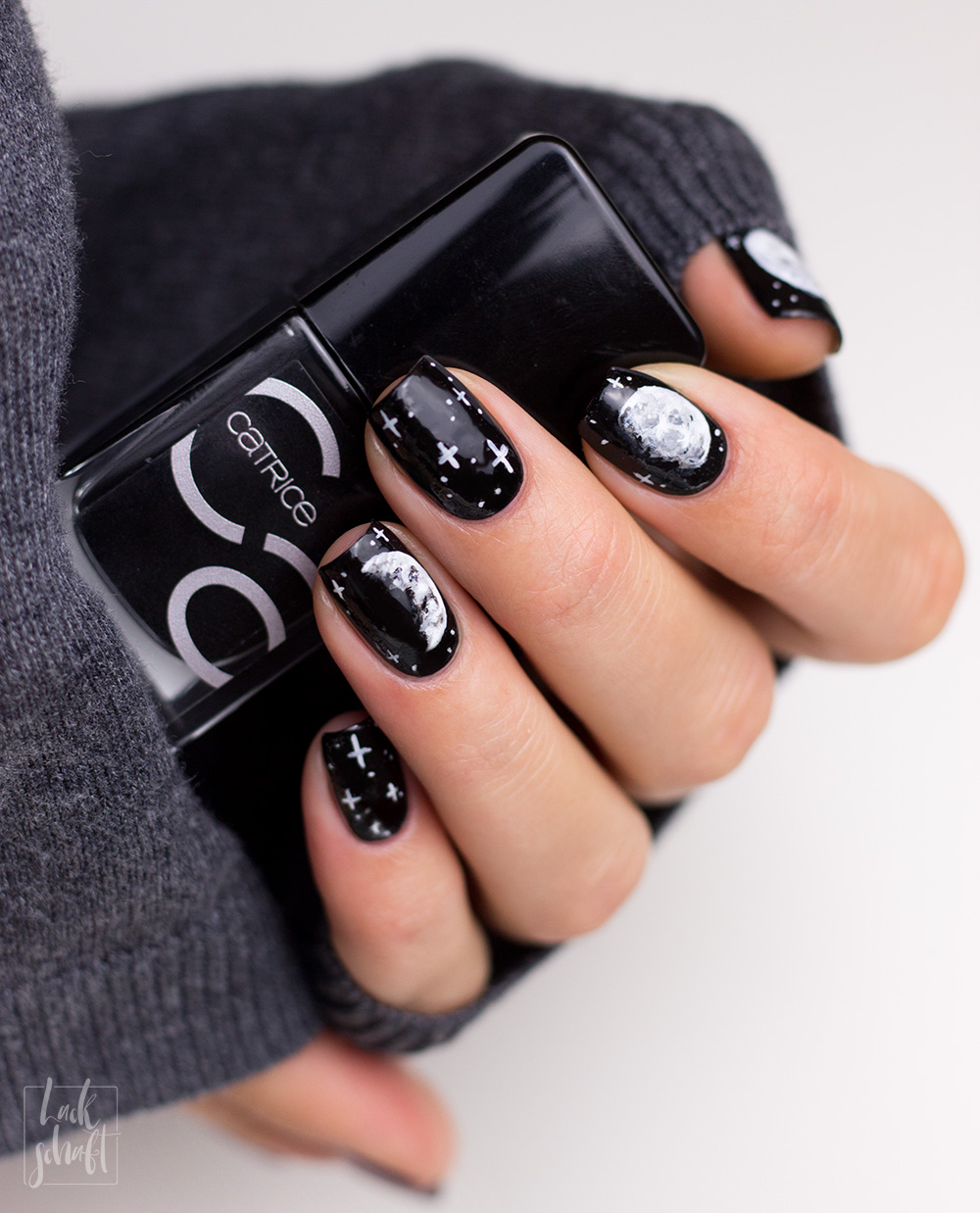 Copycat-Moon-Mond-Nailart-Freehand-Black-and-White-3