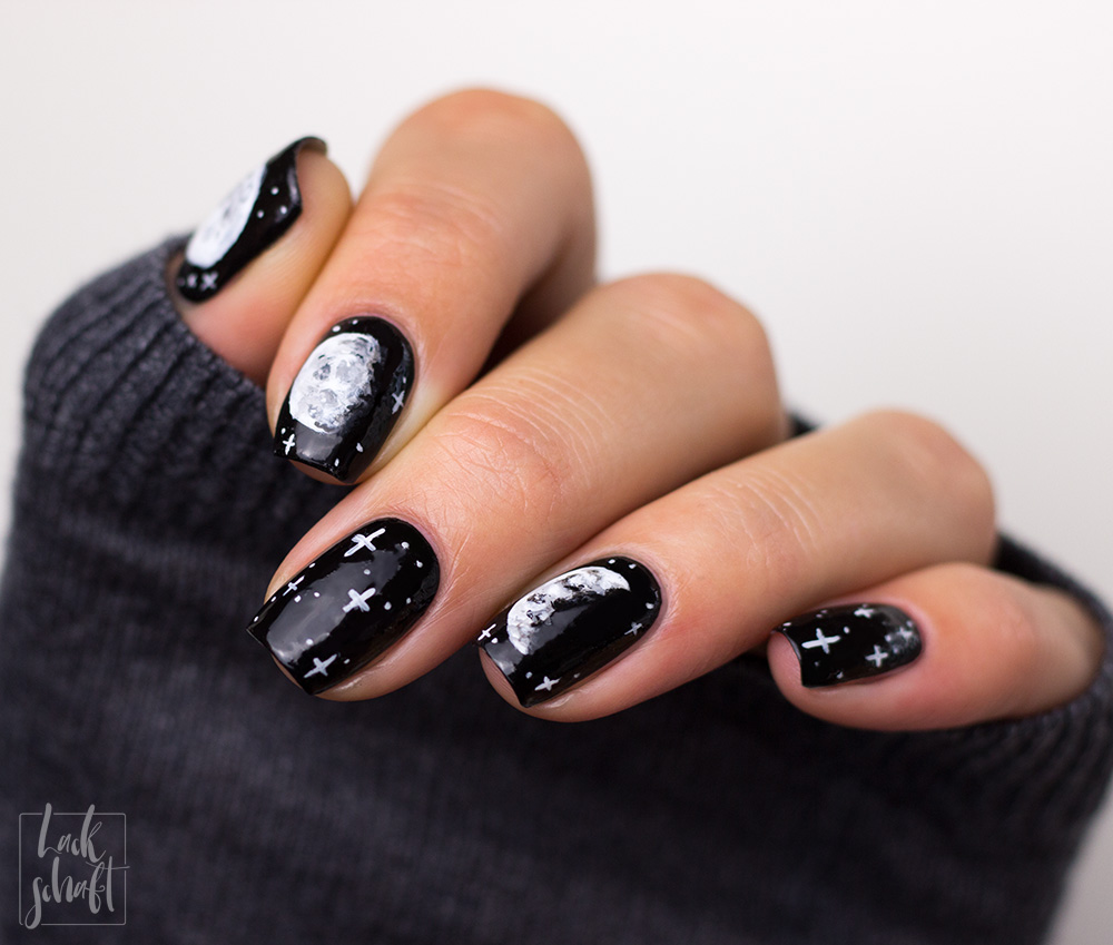Copycat-Moon-Mond-Nailart-Freehand-Black-and-White-4