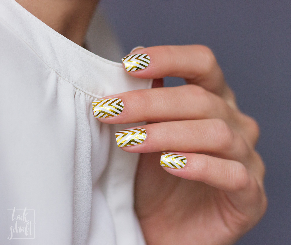 Stickergigant-Chevrongold-Lackschaft-Nagelsticker-Nagelfolien-Nailwraps-Chevron-2