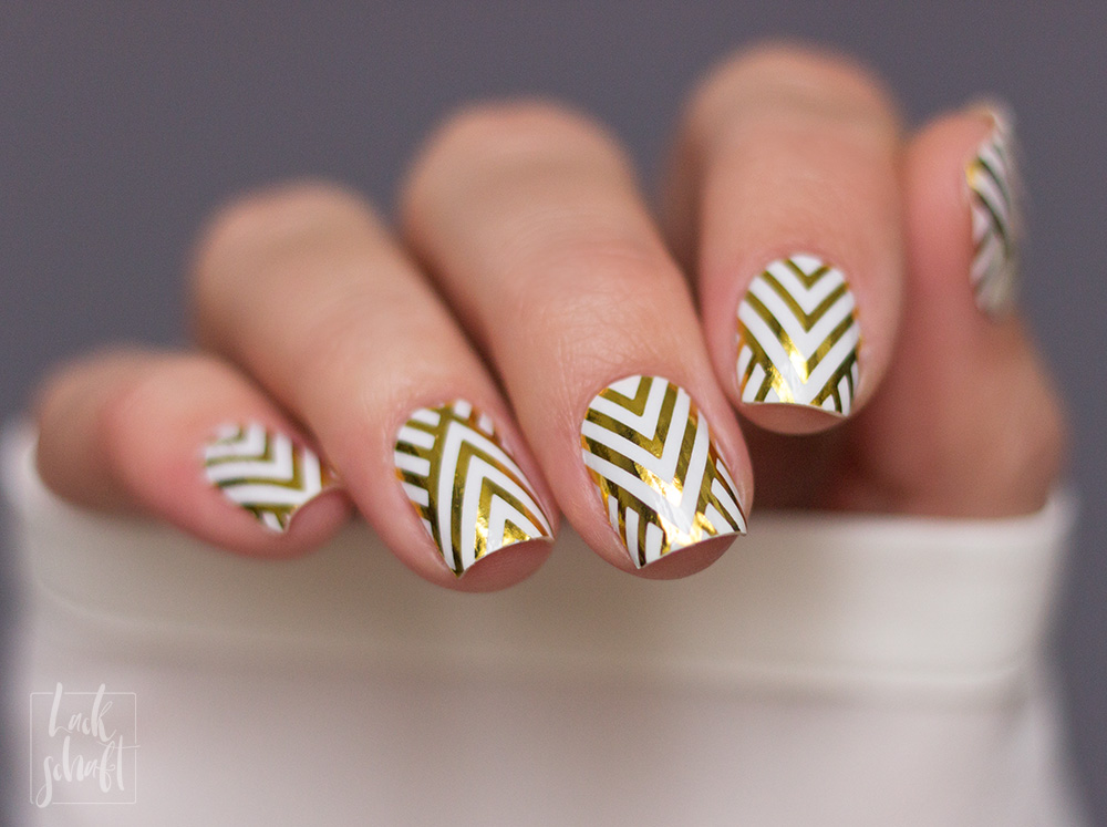 Stickergigant-Chevrongold-Lackschaft-Nagelsticker-Nagelfolien-Nailwraps-Chevron-6