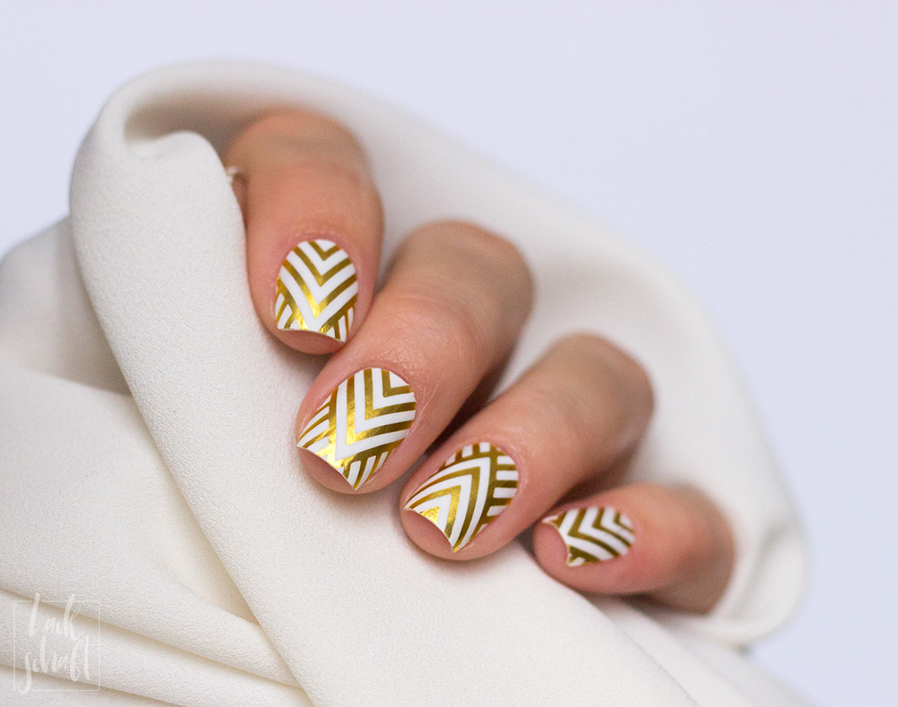 Stickergigant-Chevrongold-Lackschaft-Nagelsticker-Nagelfolien-Nailwraps-Chevron-8