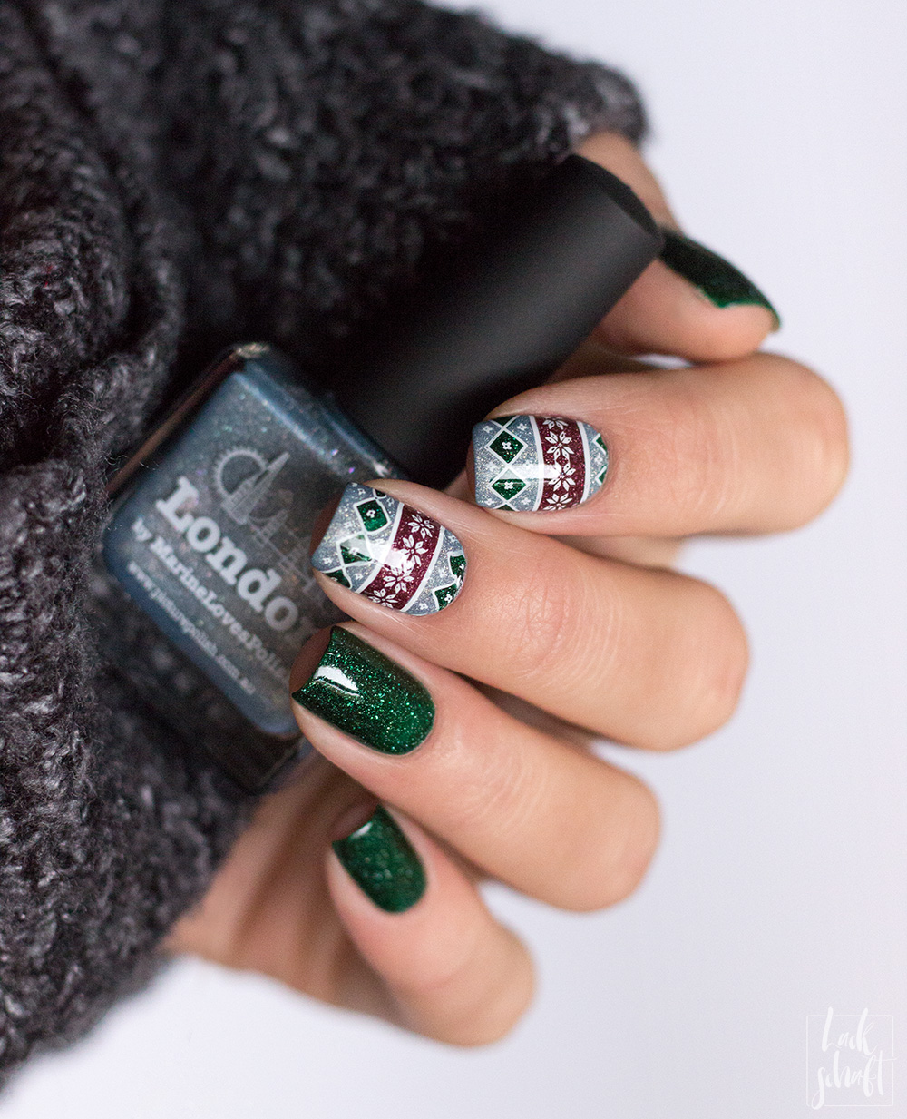 picture-polish-london-kryptonite-dragon-moyou-stamping-festive-30-nailart-1
