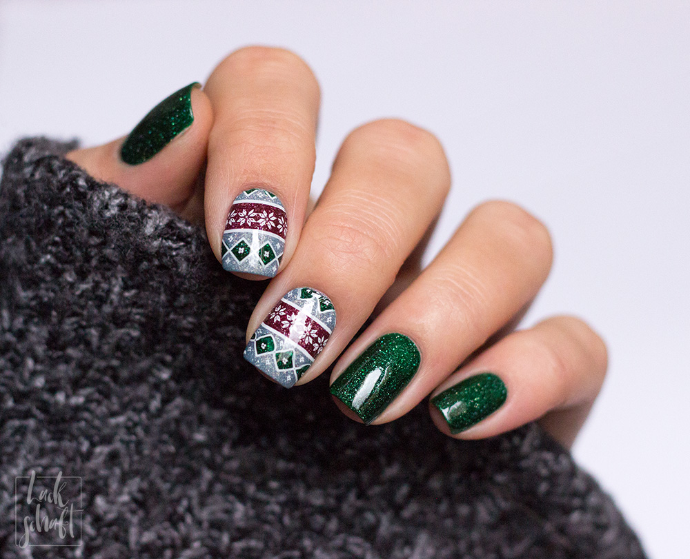 picture-polish-london-kryptonite-dragon-moyou-stamping-festive-30-nailart-4