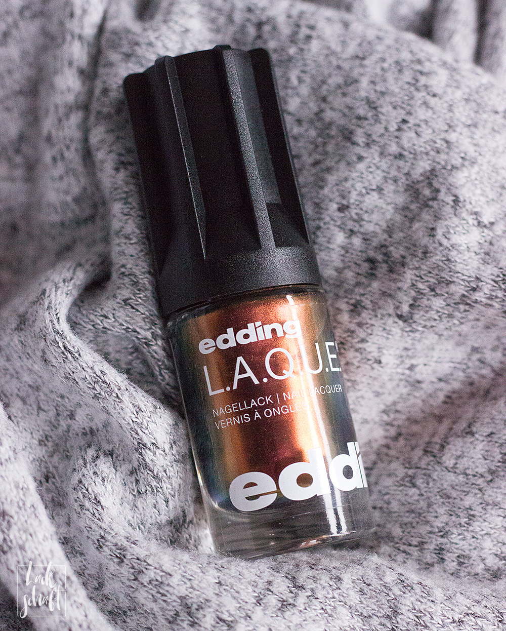 edding-lacque-magnetic-mars-duochrome-nagellack-swatch-4