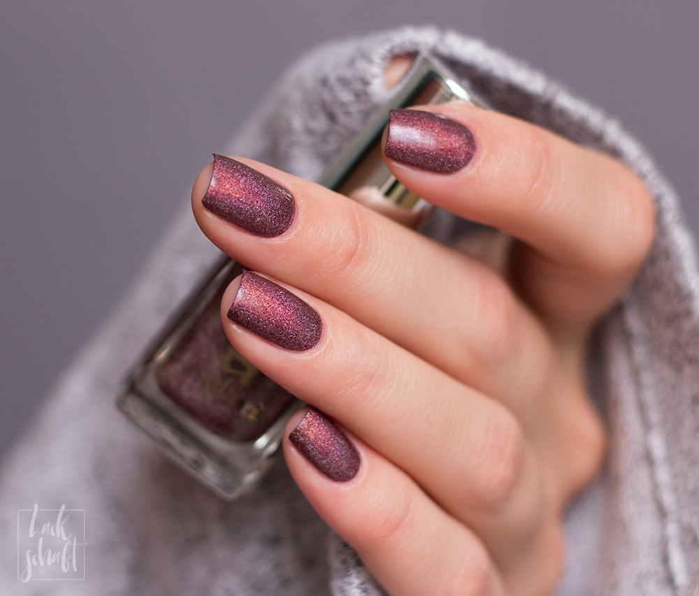 a-england-return-to-manderley-maxim-holographic-nailpolish-swatch-3