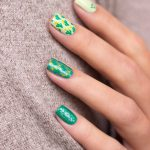 ypslackiert-challenge-monochrome-green-nails-skittle-moyou-explorer-33-nailart-1