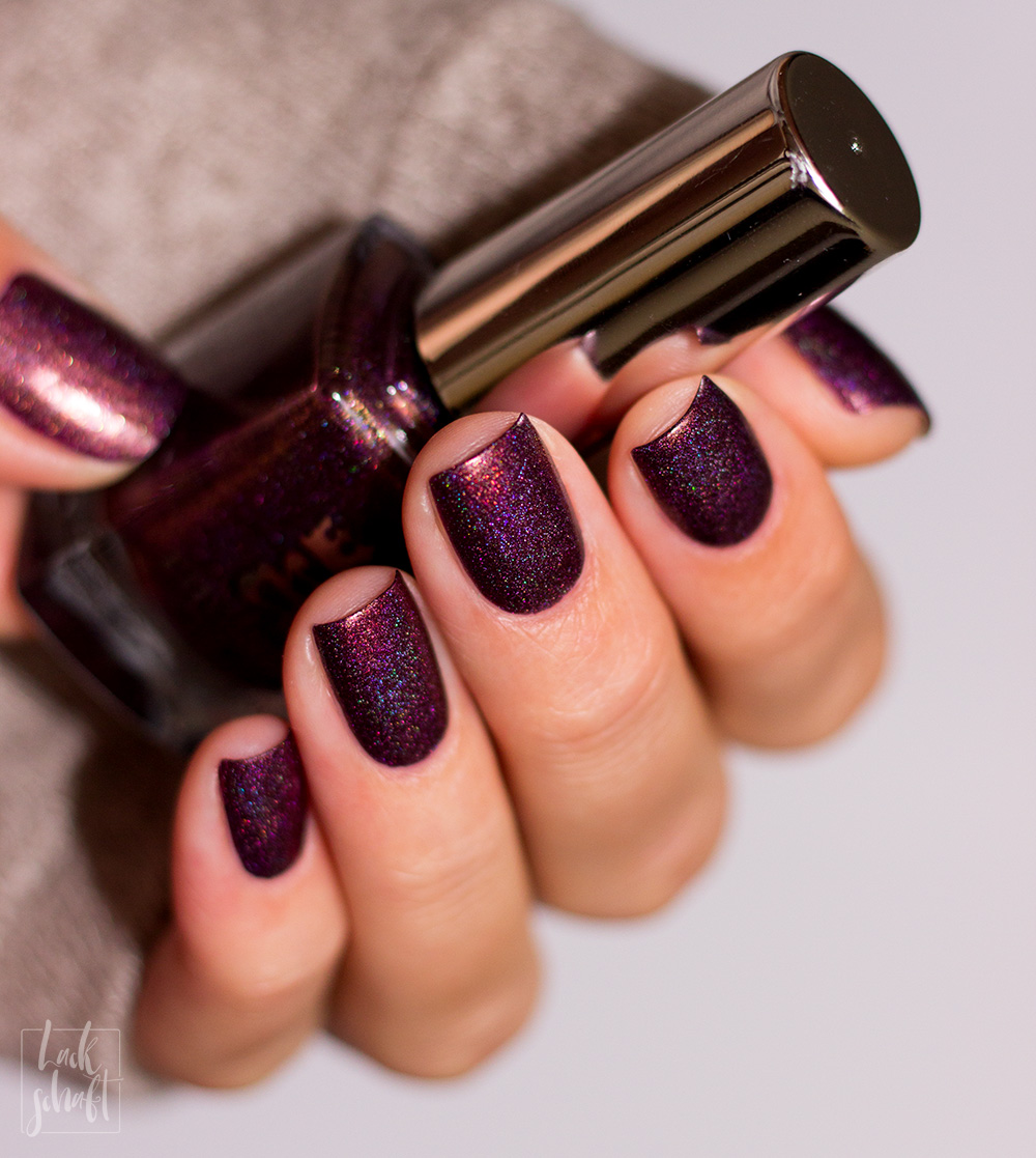 A-England-Tales-from-the-tower-collection-Holo-Crown-Jewels-Swatch-4