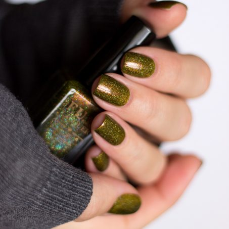 FUN-Lacquer-Woods-Green-Holo-Swatch-2