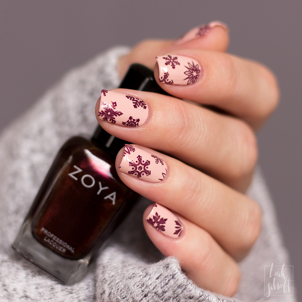 Zoya-Twinkling-Collection-Steph-Sedona-Swatch-Nailart-Snowflakes-2