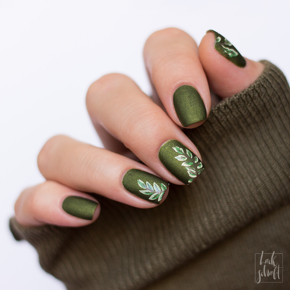 essie-sweater-weather-Nagellack-Grün-Swatch-nailart-stamping-moyou-fall-in-love-3