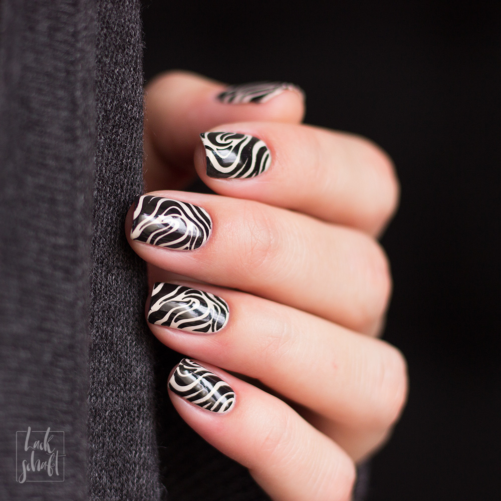 Nailart-Stamping-Black-and-White-Moyou-Pro-XL-28-Pic-2