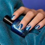 zoya-alessia-nailart-blue-nails-dots-black-and-white-2