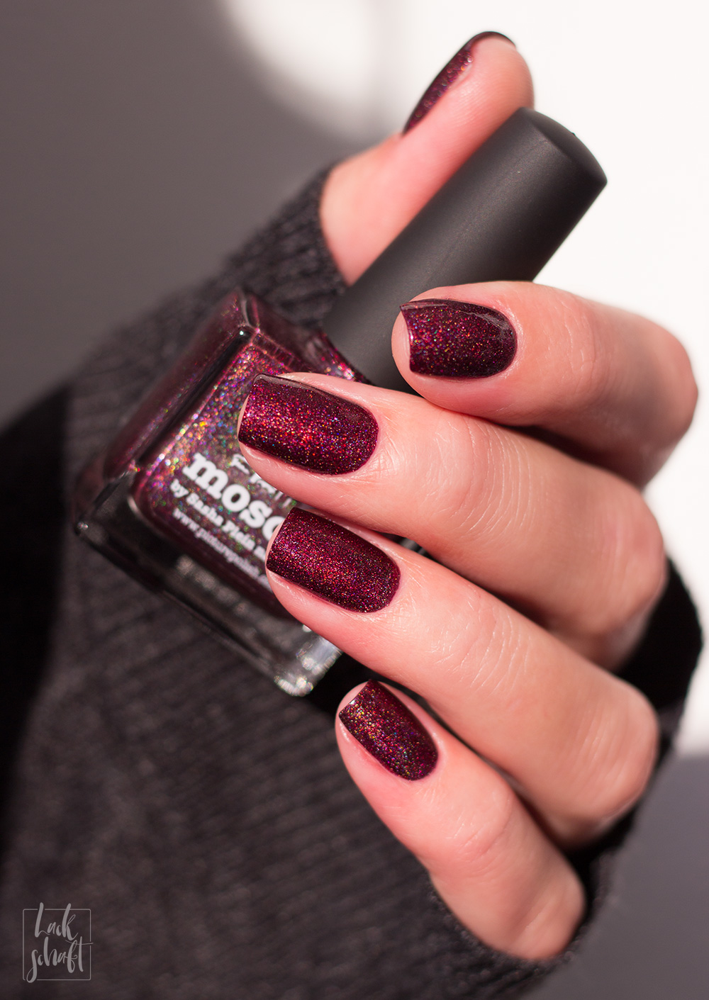 Picture-Polish-Moscow-Swatch-Nagellack-Nailpolish-Red-Bordeaux-4