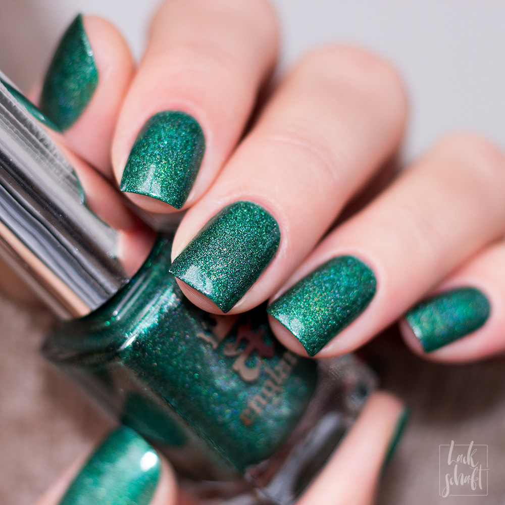 A-England-Moment-with-virgina-Collection-Mrs-Dalloway-Green-Holo-Swatch-1