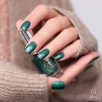 A-England-Moment-with-virgina-Collection-Mrs-Dalloway-Green-Holo-Swatch-3