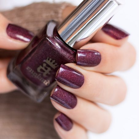 A-England-Moment-with-virgina-Collection-Virgina-Woolf-Red-Violett-Holo-Swatch-2