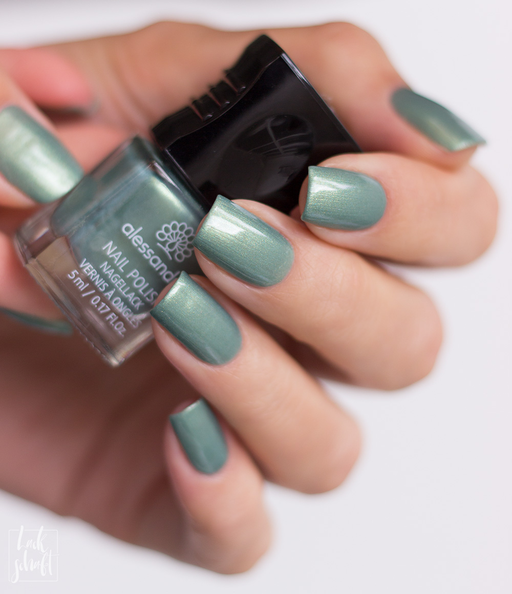 Alessandro-Life-Colours-Kollektion-Nagellacke-down-to-earth-swatch-1