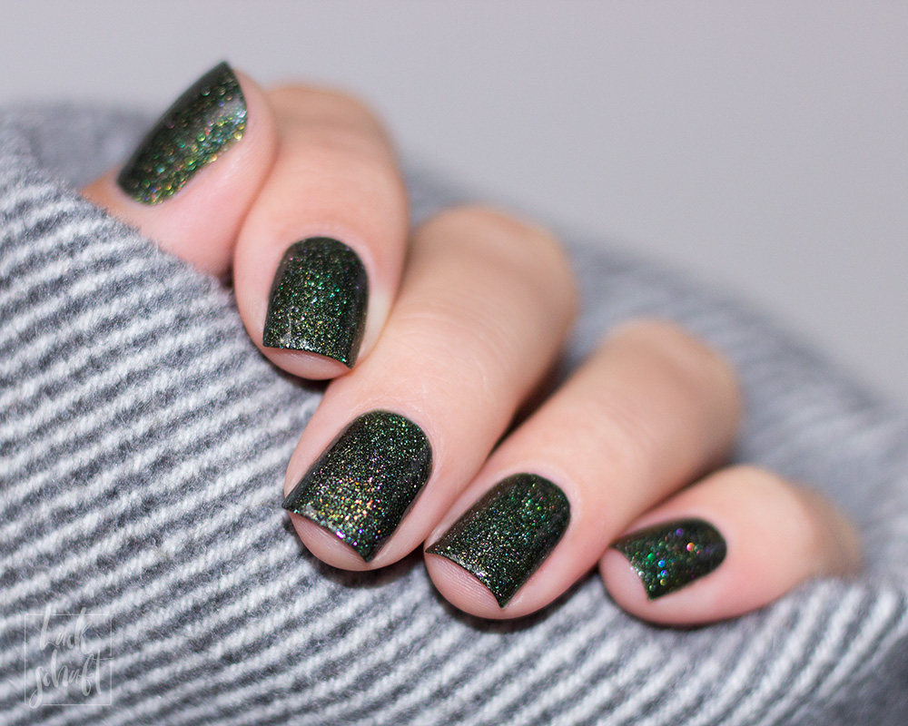 Masura-Golden-Collection-2019-Forest-King-Bride-Swatch-Green-Holo-Indie-Lacquer-Nagellack-4