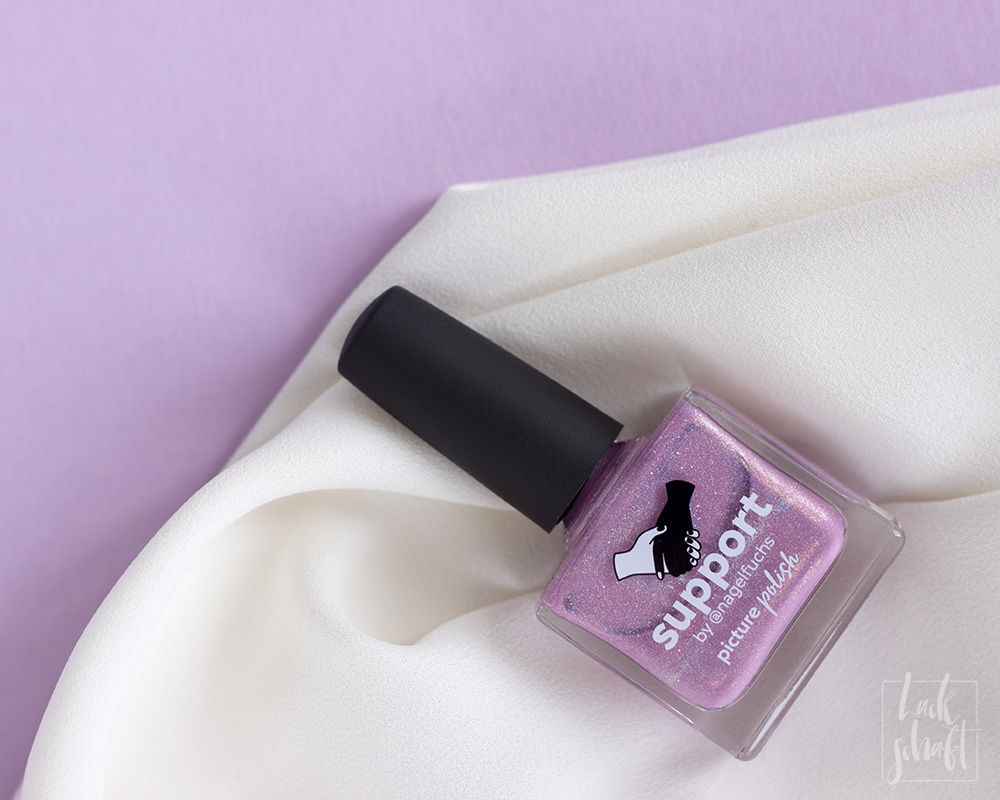 Nagellack-Nailart-Picture-Polish-Support-by-Nagelfuchs-Freihand-FrenchNegative-Space-1