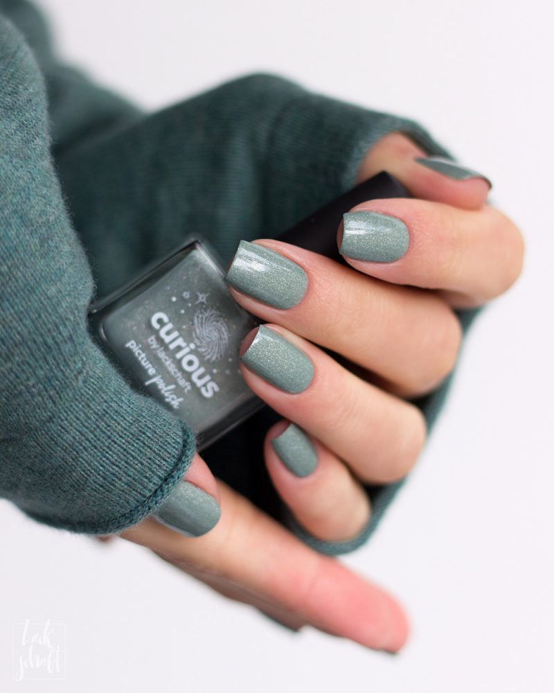 Picture-Polish-Curious-Collab-Shade-Lackschaft-Green-Swatch-11
