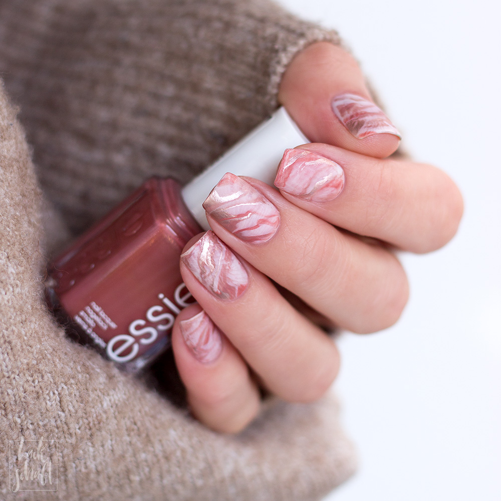 Frischlackiert-Challenge-Marble-Marmor-Nailart-essie-penny-talk-urban-jungle-all-tied-up-clothing-optional-4