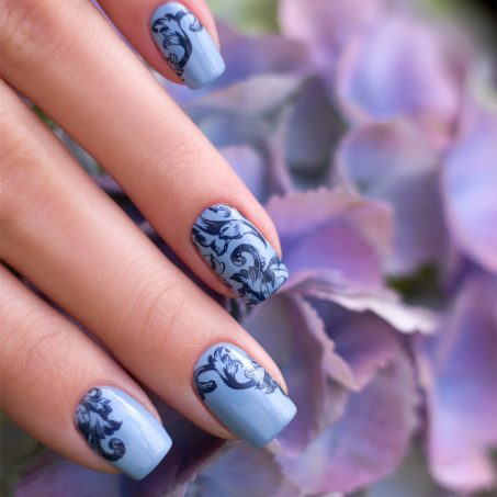 Zoya-darling-Collection-Val-Moyou-Love-is-13-Stamping-Nailart-5