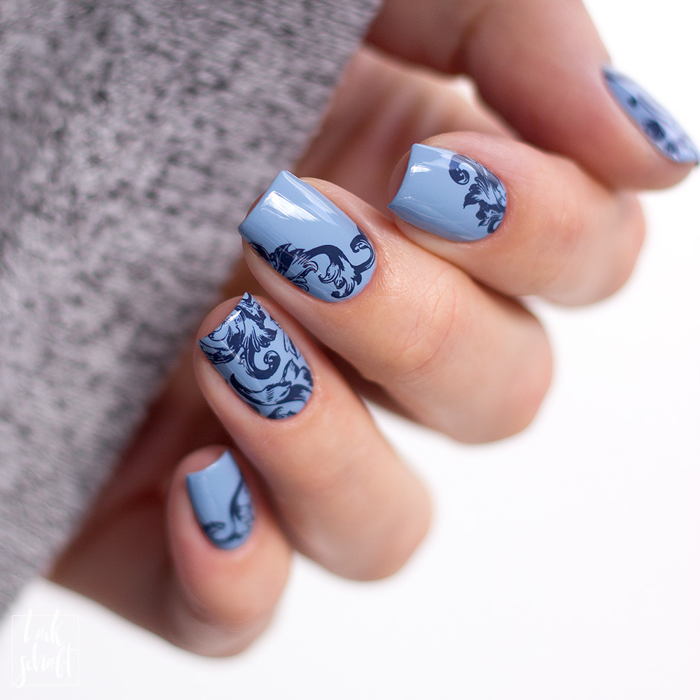 Zoya-darling-Collection-Val-Moyou-Love-is-13-Stamping-Nailart-7
