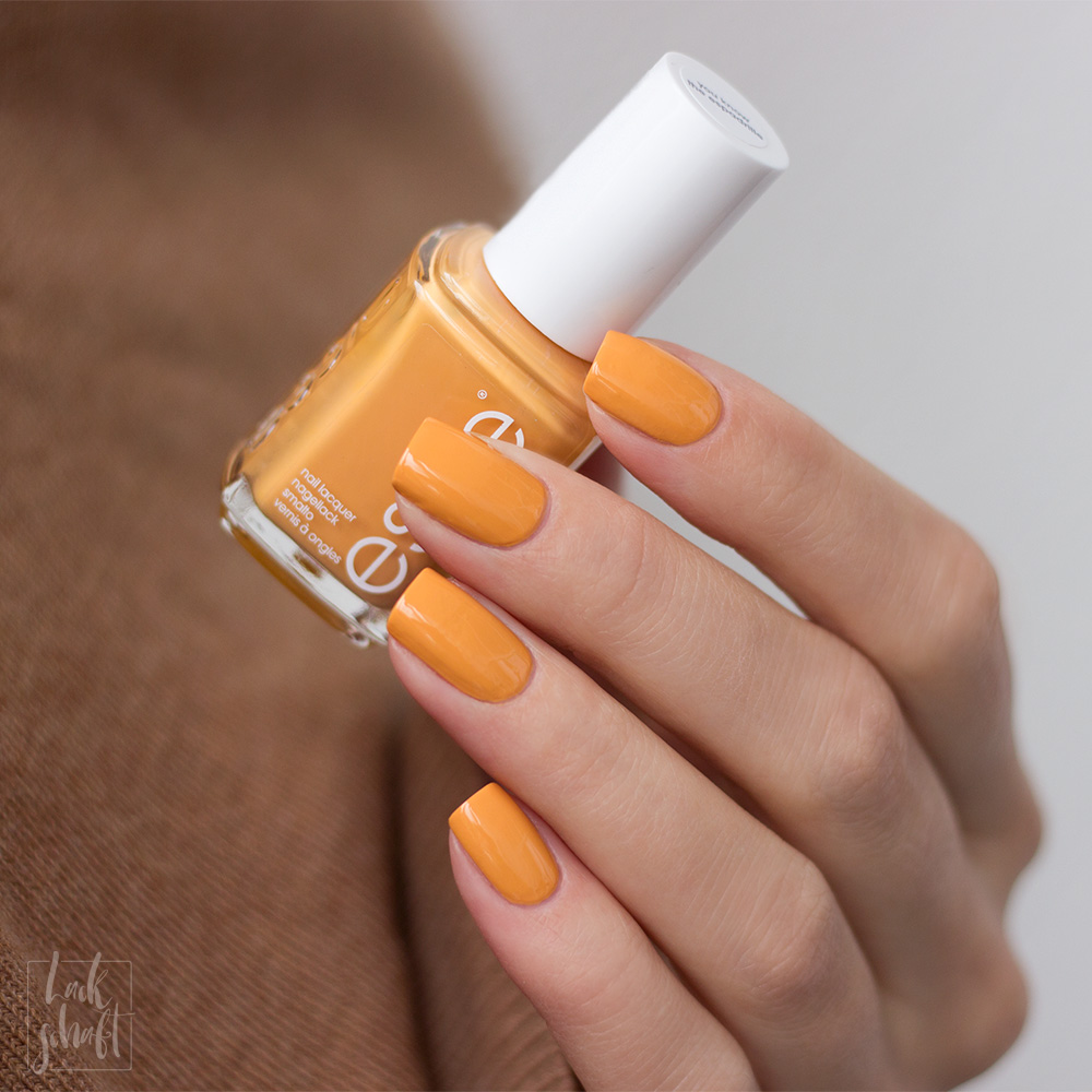 essie-you-know-the-espadrille-sping-2021-Gelb-Yellow-Marigold-Nagellack-Nailpolish-Swatch-2