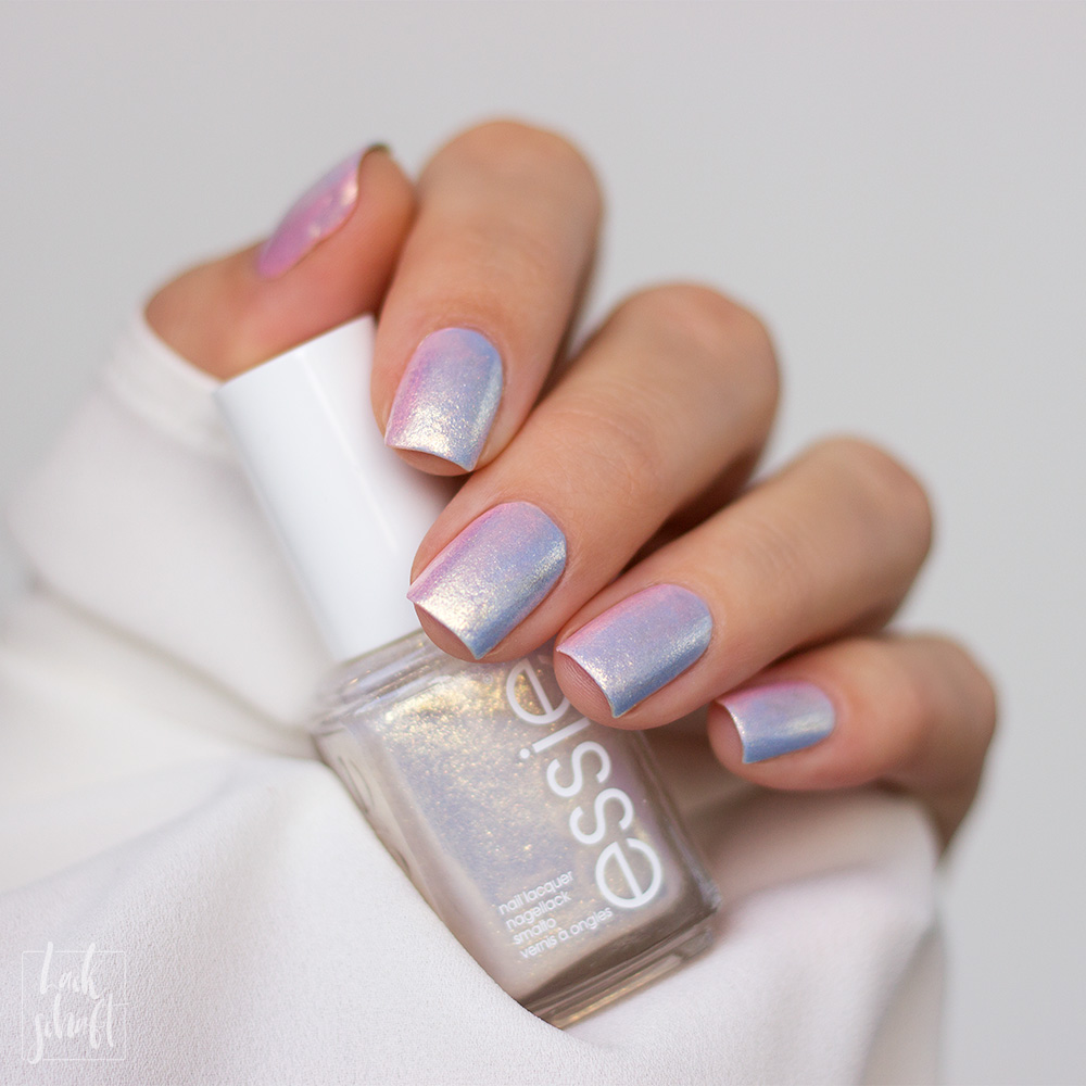essie-iridescent-Nails-Nailart-twinkle-in-time-Swatch-1