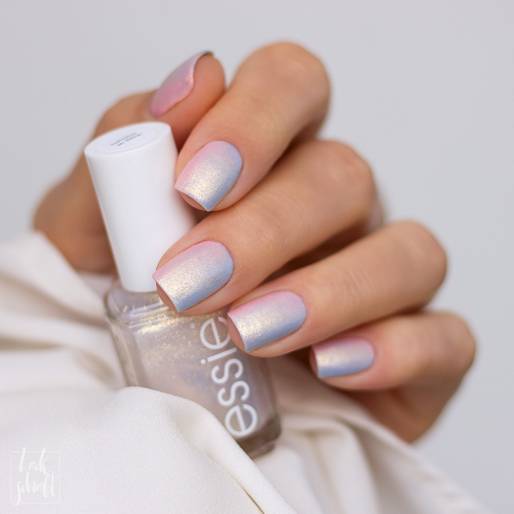essie-iridescent-Nails-Nailart-twinkle-in-time-Swatch-2