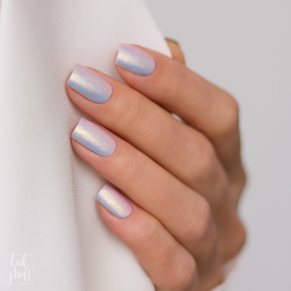 essie-iridescent-Nails-Nailart-twinkle-in-time-Swatch-3