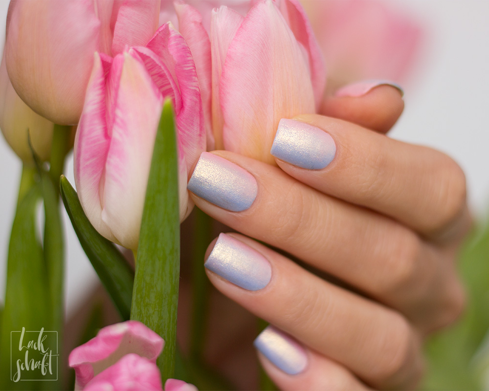 essie-iridescent-Nails-Nailart-twinkle-in-time-Swatch-4